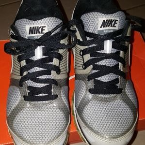 2010 Nike Air Max size 5.5 Jrs- fit a size 7 woman
